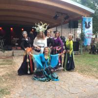 Tanzgruppe Triskele mit dem Elchmädchen.